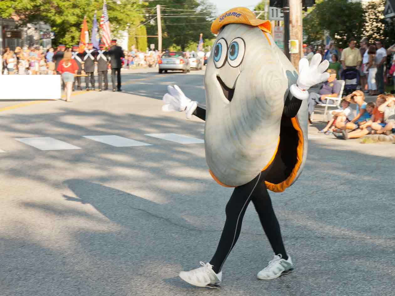 Volunteer at the Yarmouth Clam Festival
